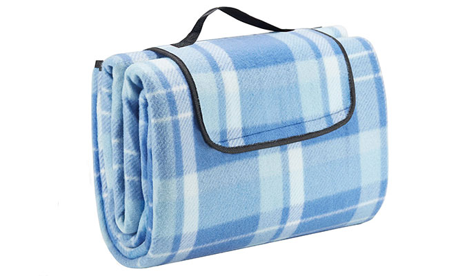 extra-large-picnic-blanket-with-waterproof-backing