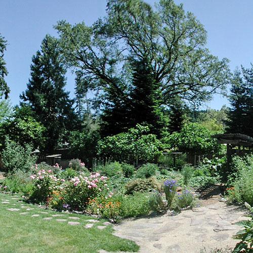 gardens at CasaLana Gourmet Retreats in Napa Valley