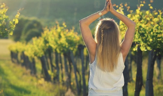 Comstock Yoga in the vineyards
