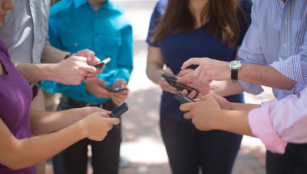 Mobile-Users600x340.jpg