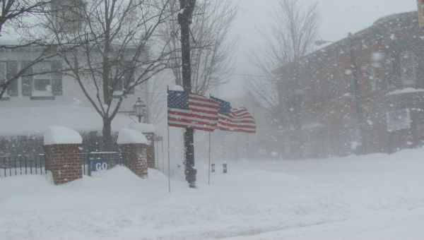 Snow blizzard at Etown square 600 x 340.jpg