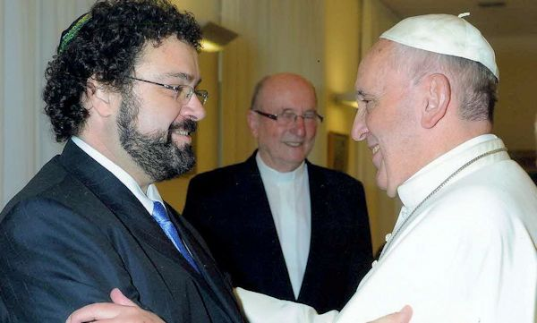 Claudio Epelman with Pope Francis at their last meeting in November 2013