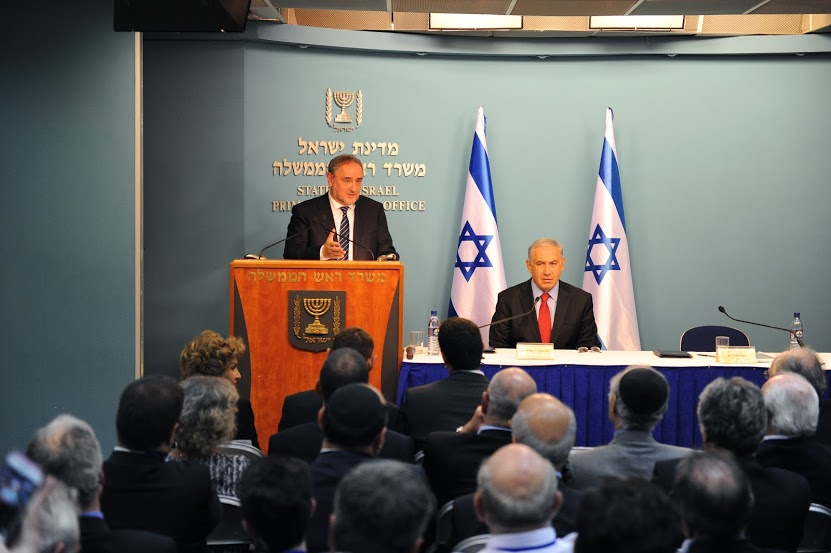 WJC CEO Robert Singer introduces Israel's Prime Minister Benjamin Netanyahu. Photo credit: MFA Israel