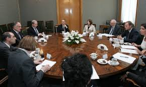 Lauder (left) at a WJRO meeting with Poland's Prime Minister Tusk in 2008