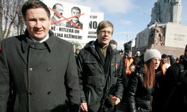 Einars Cilinkis (center) at the march