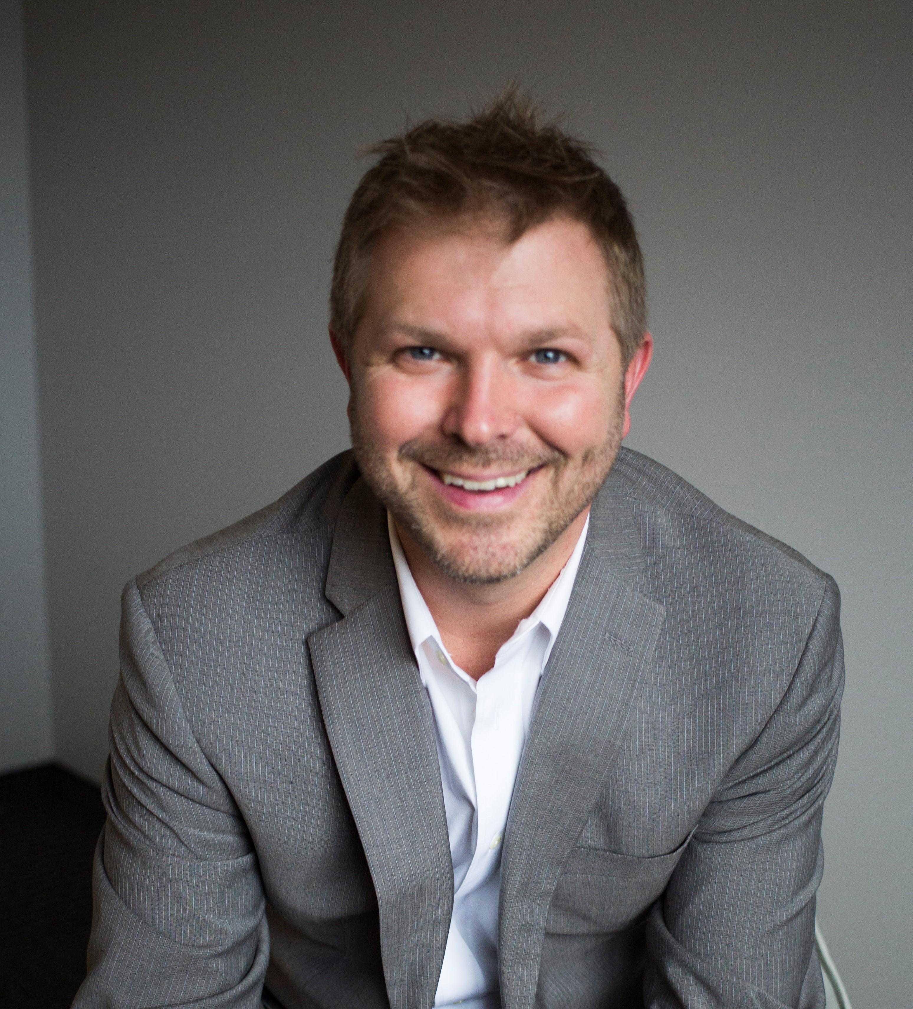Peter Miles, financial advisor Oakdale MN
