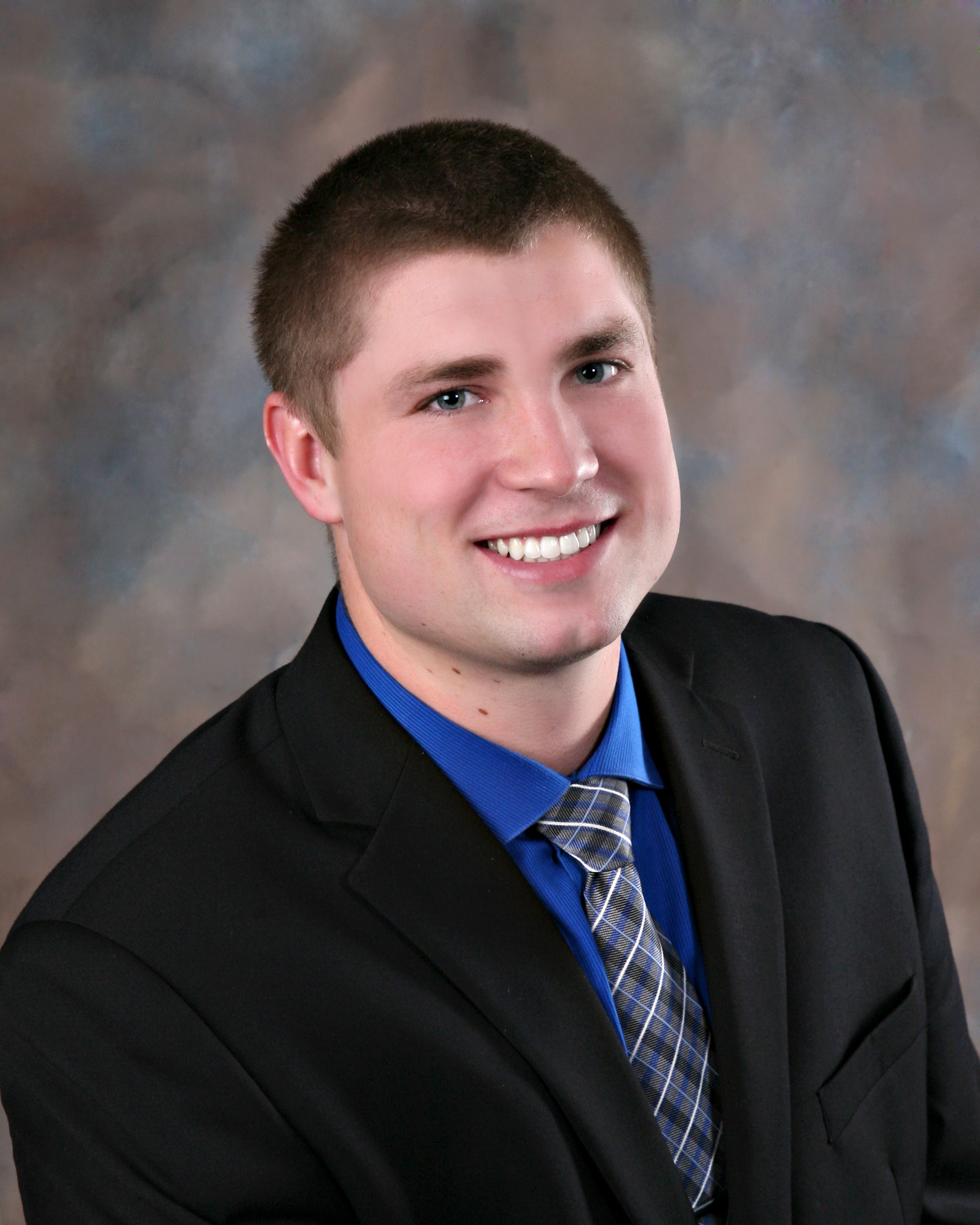 Tyler Kruse, financial advisor Dakota Dunes SD