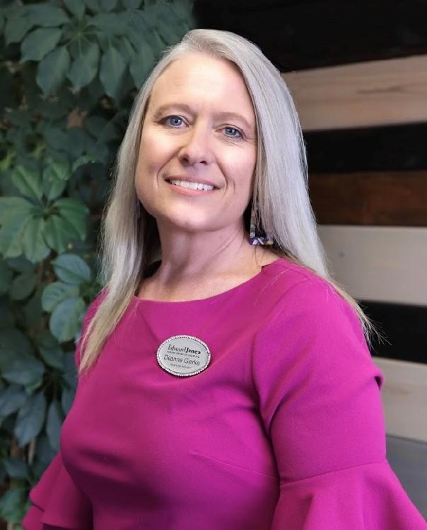 Deanne Gierke, financial advisor Beulah ND