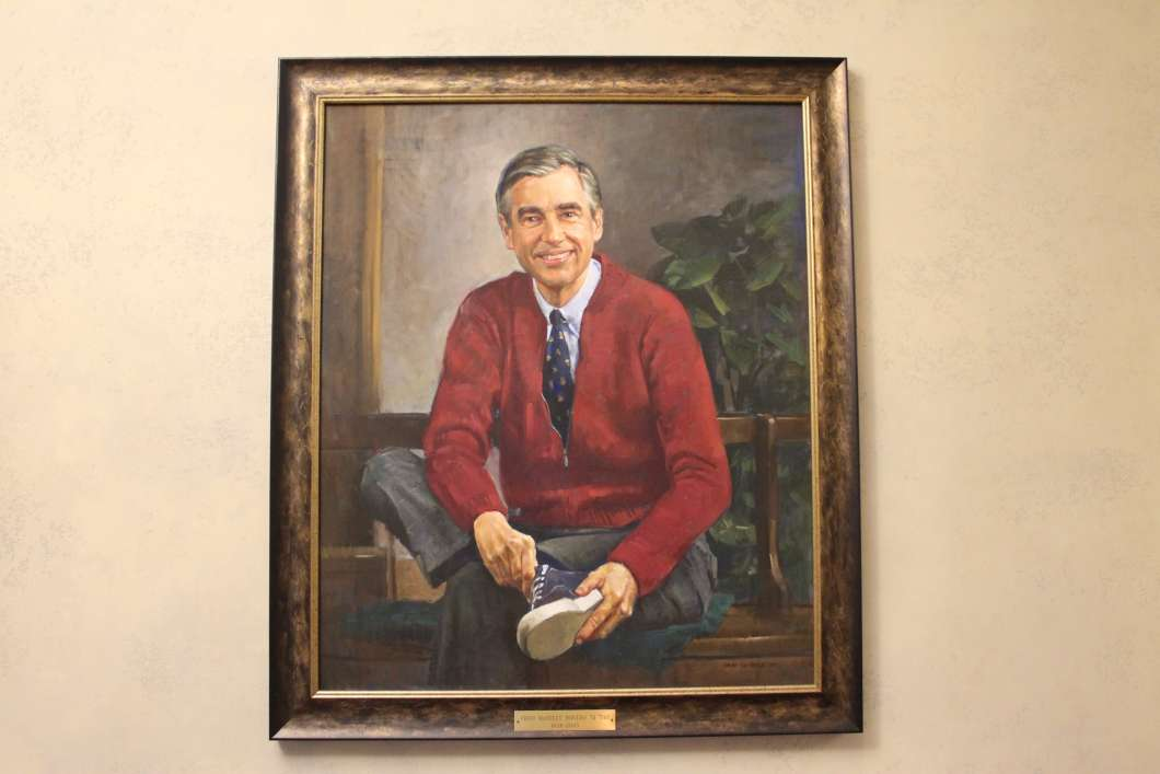 A portrait of Mr. Rogers painted by Don Sondag hangs at the John M. Tiedtke Concert Hall, Rollins College. Photo: Matthew Peddie, WMFE