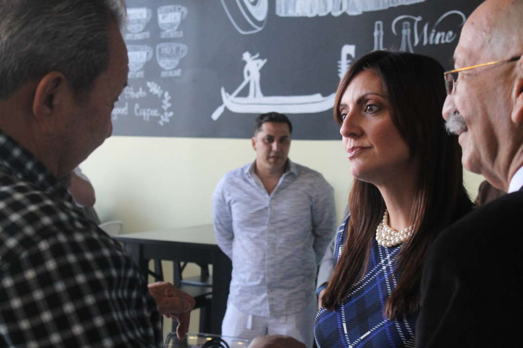 Miami State Legislator Jeanette Núñez speaks with local business owners at a round table discussion in Orlando, FL on Oct. 17, 2018. Photo by Shanya Richburg.