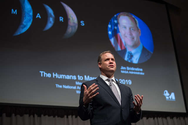 NASA Administrator Jim Bridenstine gives keynote remarks at the Humans to Mars Summit, Tuesday, May 14, 2019, at the National Academy of Sciences in Washington. Photo: NASA / Aubrey Gemignani