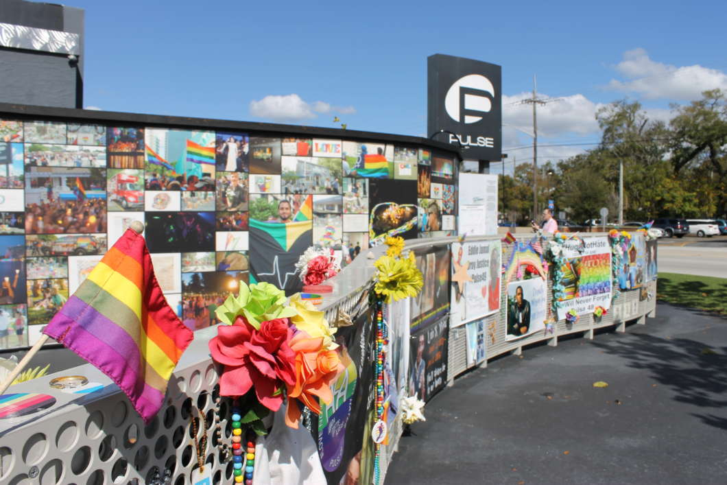 The temporary memorial at the site of the Pulse nightclub. Photo : Matthew Peddie, WMFE