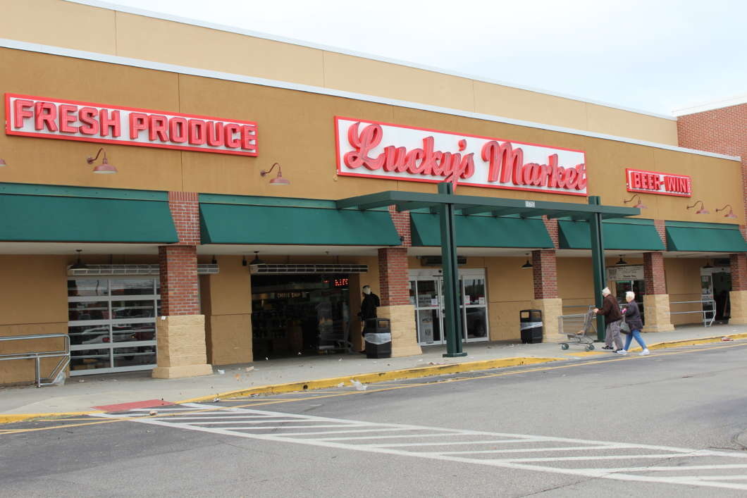 Lucky's Market on East Colonial Drive. Photo: Monica Sealey, WMFE