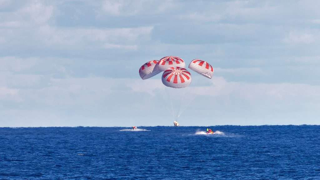 SpaceX's first Crew Dragon parachutes to a splashdown in the Atlantic Ocean during the uncrewed Demo-1 mission on March 8, 2019. Photo: SpaceX