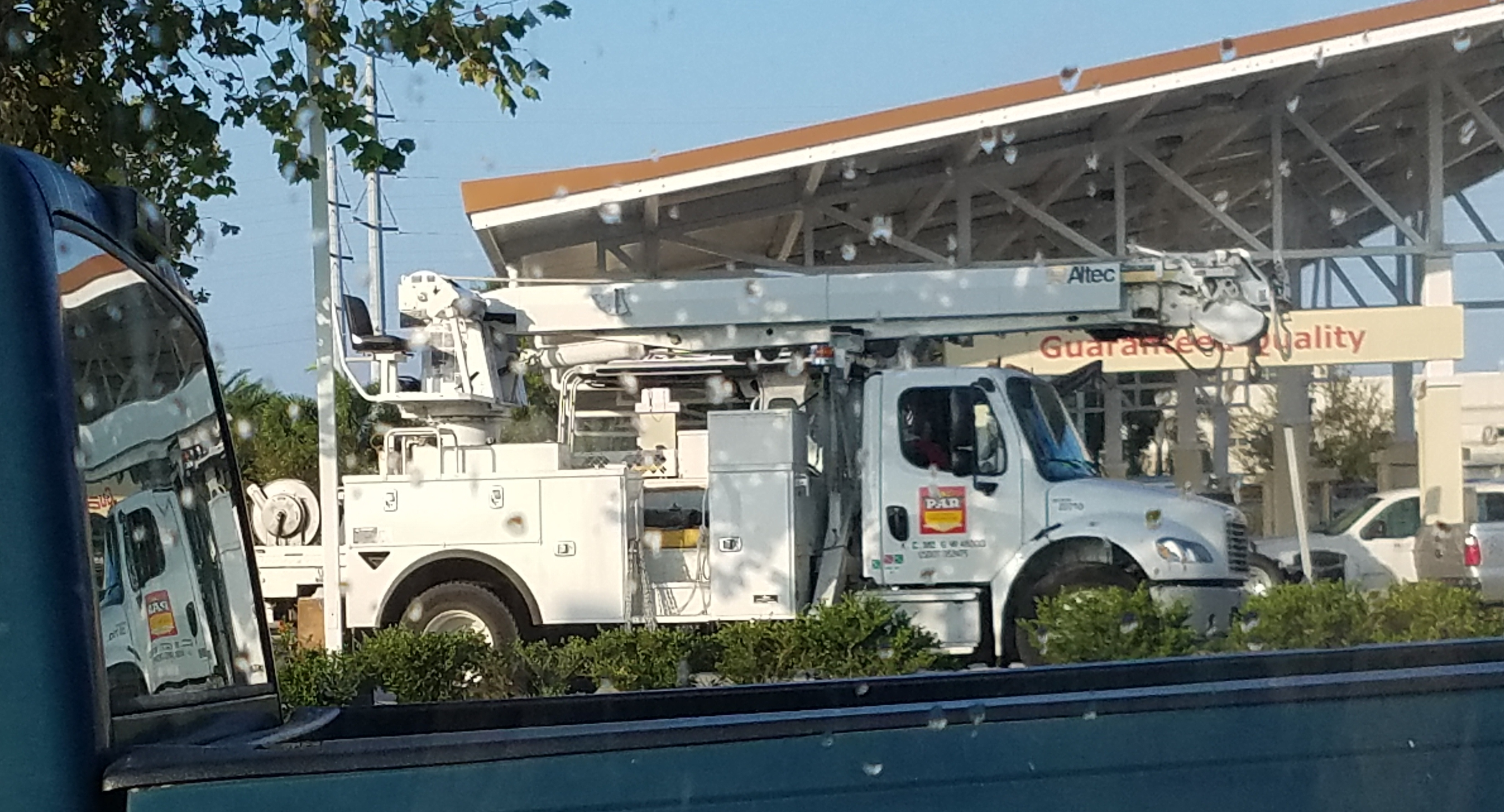 electricity power lineman Hurricane Irma