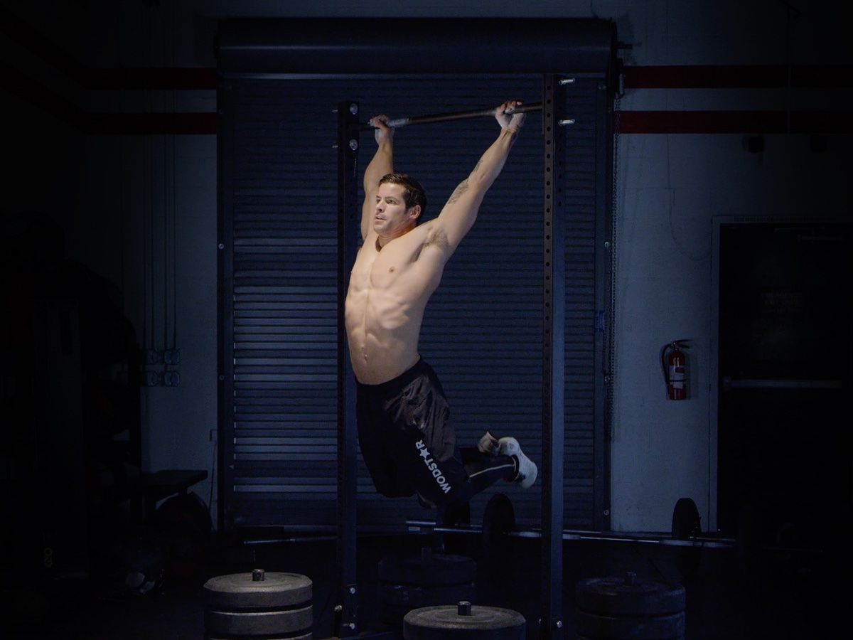 Kipping Chest to Bar Pull-Ups
