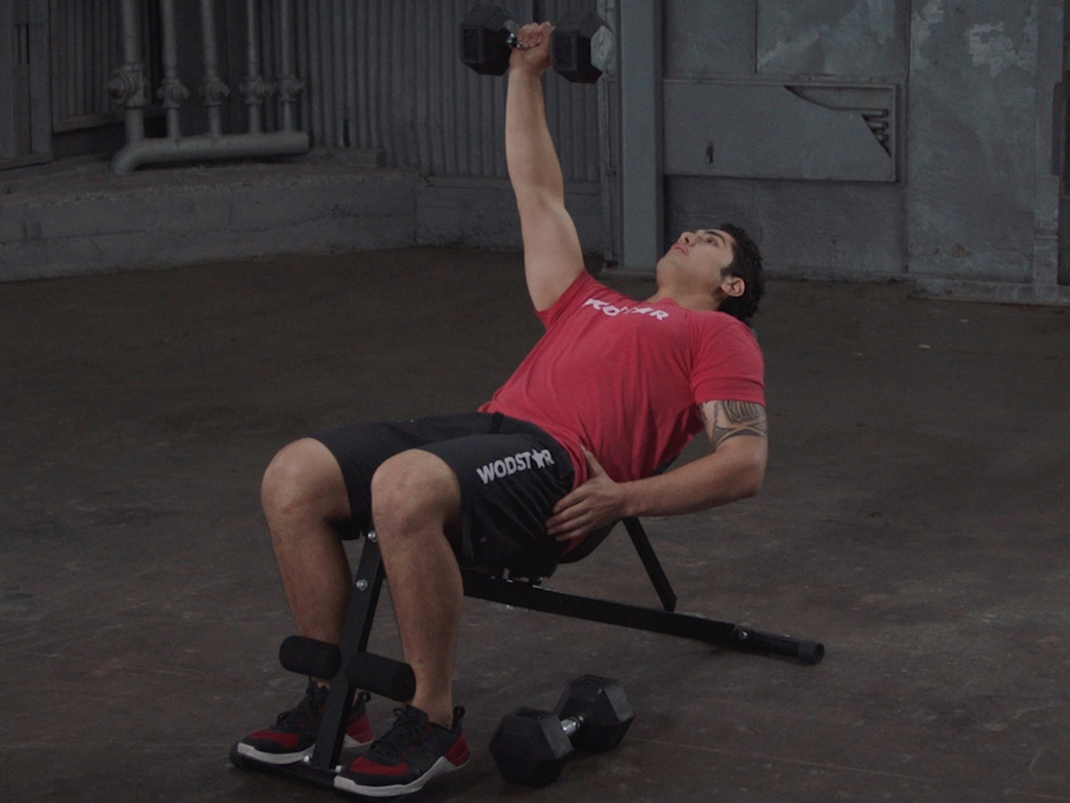 How To Do A Single Arm Incline Dumbbell Bench Press Wodstar