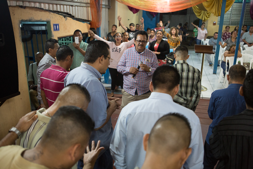 Photo published on NPR taken as part of an IWMF Adelante reporting fellowship by Alicia Vera