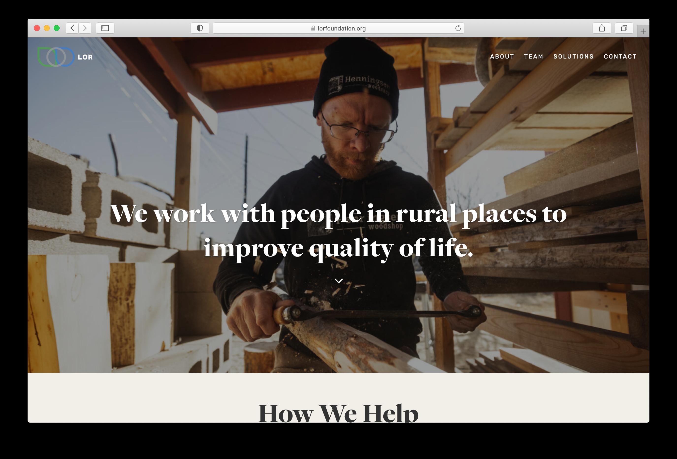 Craig Okraskas photograph of a carpenter on the LOR Foundation homepage