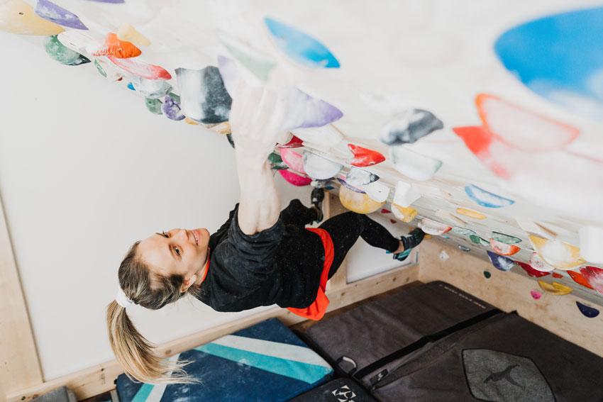 Milen Kootnikoff woman climbing