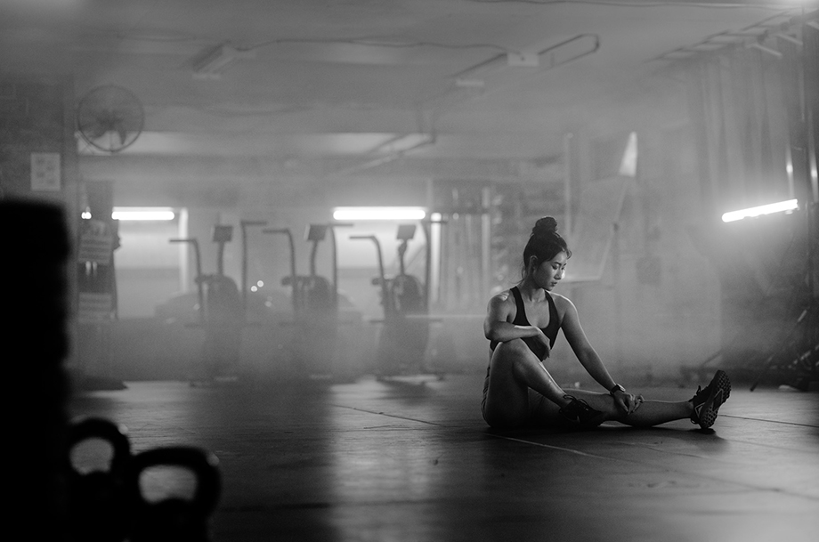 Carrie Xu warms up before her workout. Photographed by Albert Law.