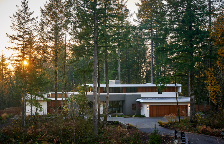 Exterior of Molina house built by GSW Architects shot by Bill Purcell for the Wall Street Journal