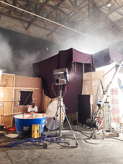 Behind-the-scenes image of the lighting setup during Claus Lehmann's shoot for Spotify Brazil.