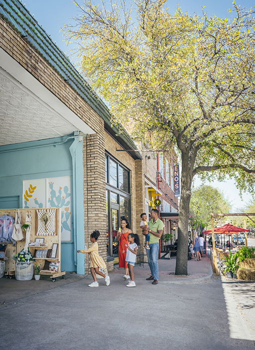 A family visits the Bishop Arts District. Photography by Inti St. Clair for Visit Dallas.