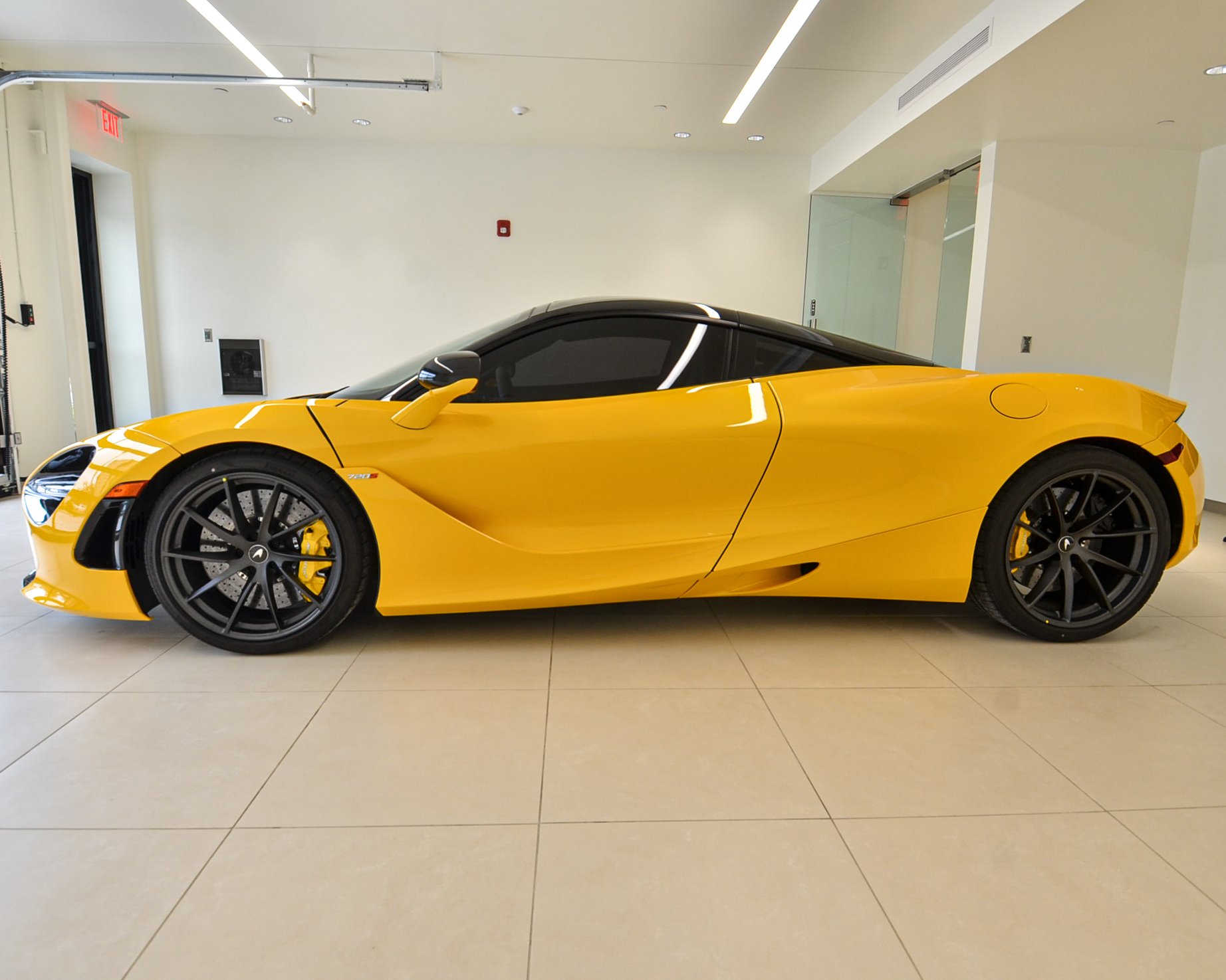 Uploads 2f08 yellow 720s.jpg   1560352022036   gr6xe3jyvw   vehicleimage   333511   08 yellow 720s