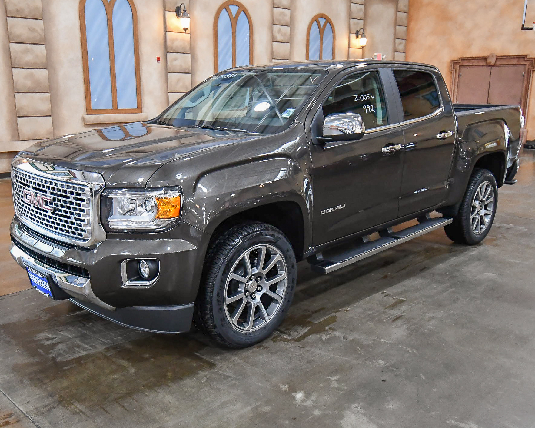 2020 GMC Canyon Denali Photos