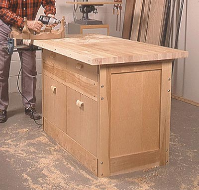 Labor-of-Love Workbench Woodworking Plan, Workshop & Jigs Workbenches