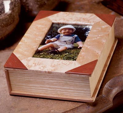 A novel box for favorite photos Woodworking Plan, Gifts & Decorations Boxes & Baskets Gifts & Decorations Picture Frames