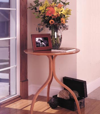 Bentwood accent table Woodworking Plan, Furniture Tables