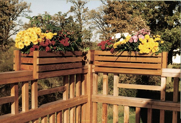 Deck-rail planter frames Woodworking Plan, Outdoor Planters