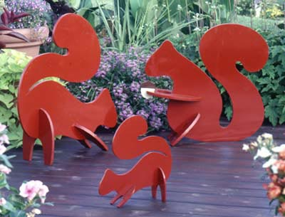 Playful Lawn Squirrels : Large-format Paper Woodworking Plan