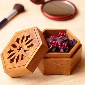Scrollsawn Potpourri Box Woodworking Plan, Gifts & Decorations Boxes & Baskets Gifts & Decorations Scrollsaw, Carving, & Decorative Projects