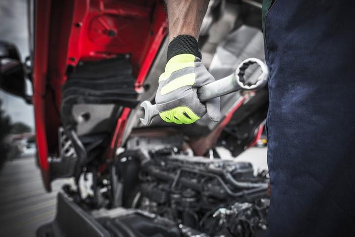Quais são as ferramentas para caminhão que todo caminhoneiro precisa ter?