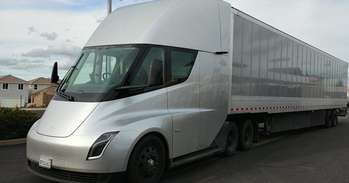 Como funciona um caminhão elétrico?
