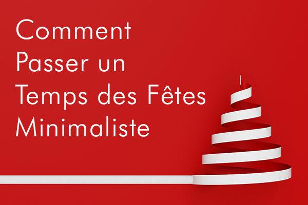 Minimalistischer Weihnachtsbaum zu Weihnachten auf roter Grußkarte