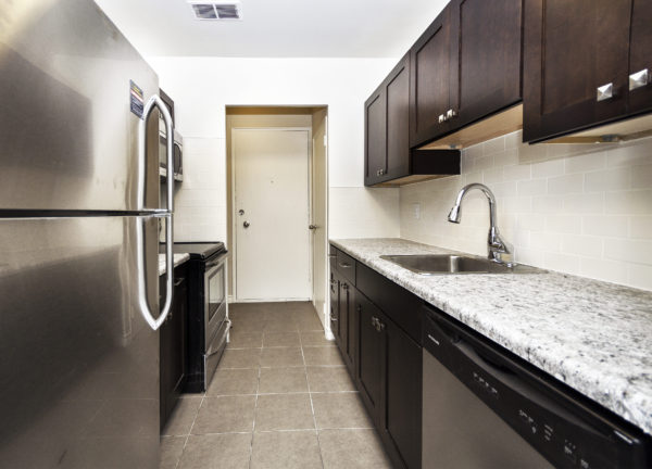 1 & 2 bedroom apartments located at 157 Pearl Street S Apartments