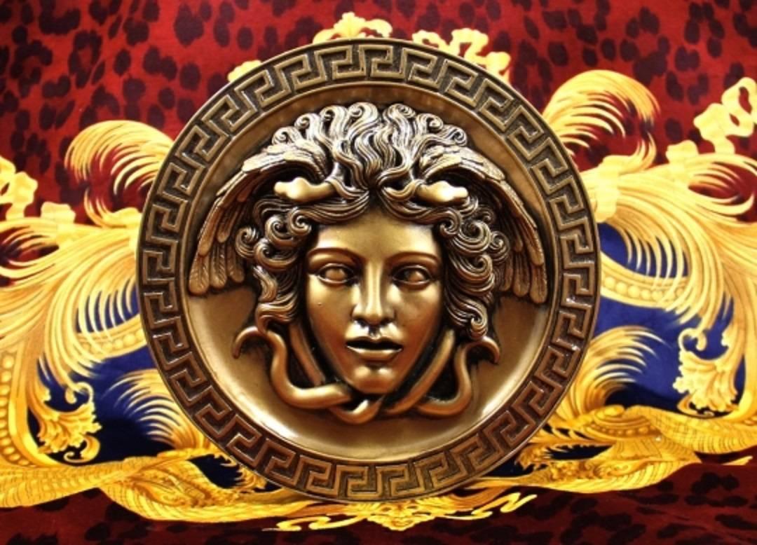 Série Grandes Marcas: Versace