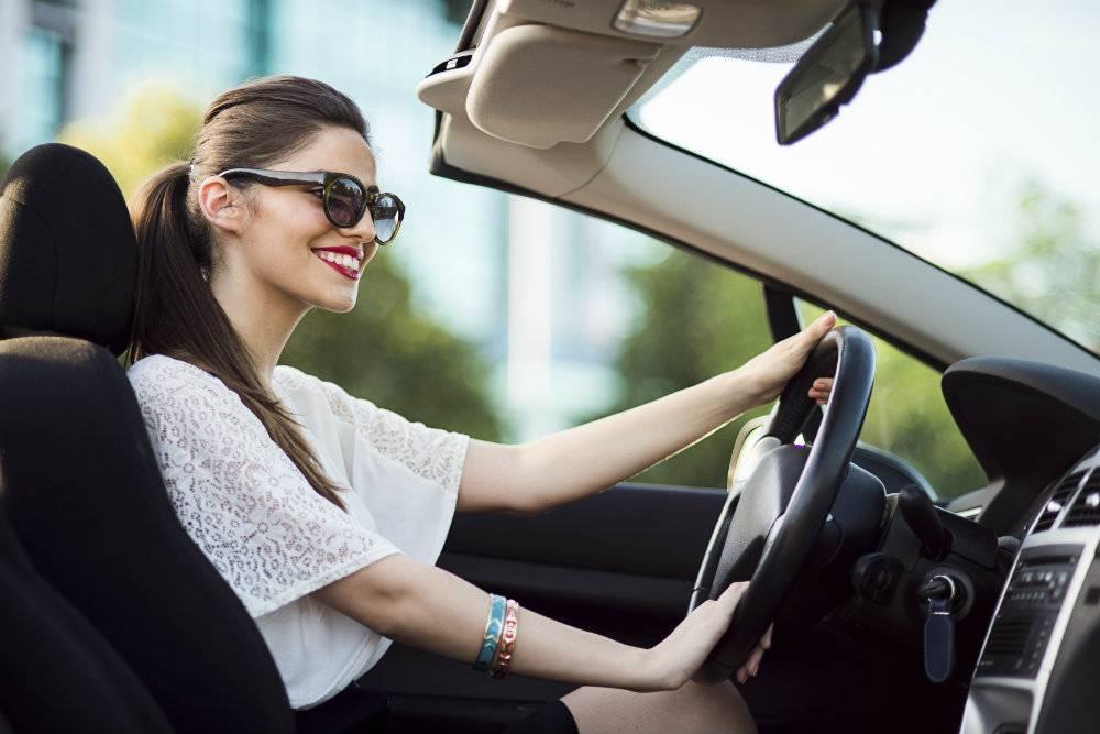 Новым, картинки девушки за рулем машины