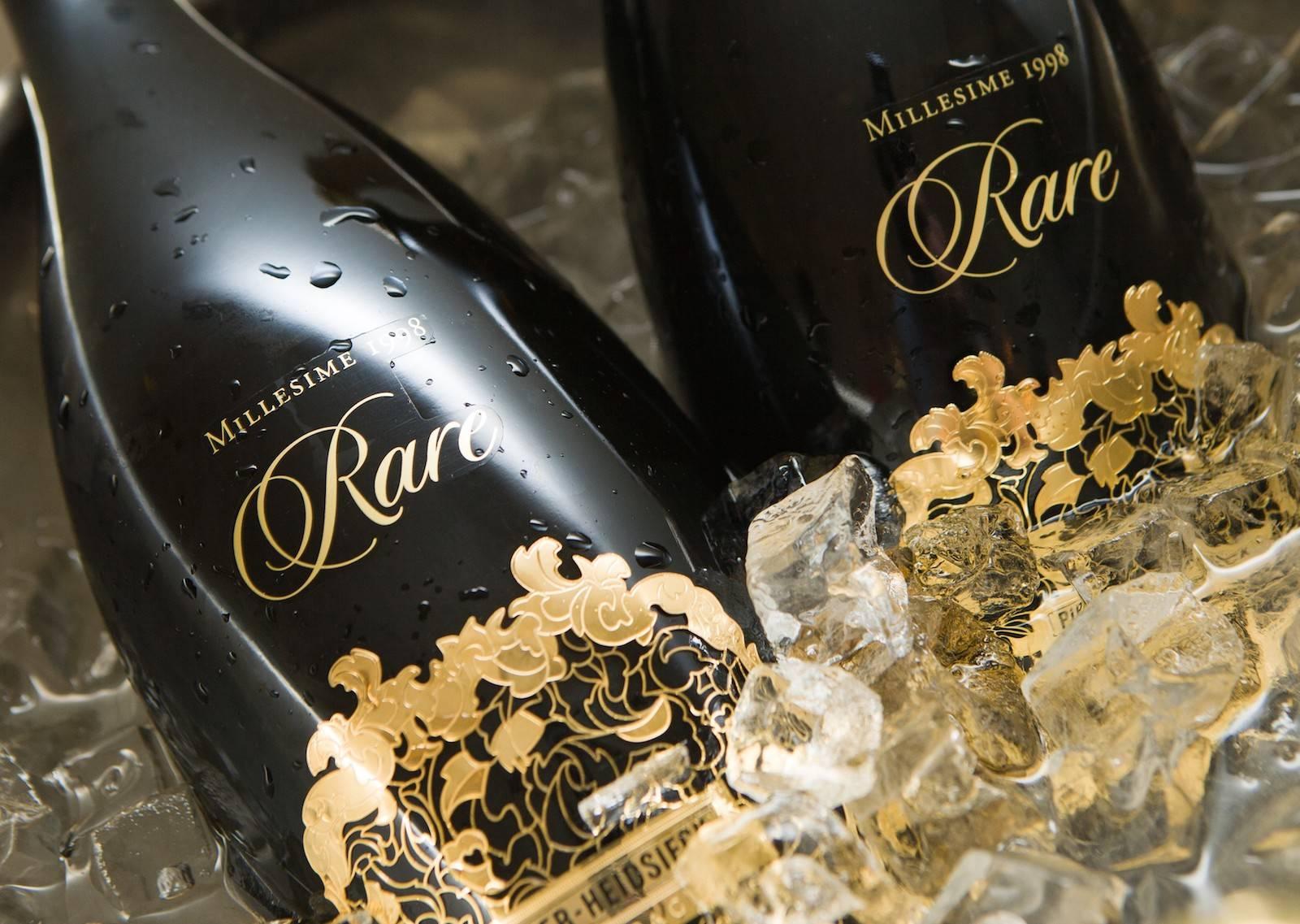 Vamos brindar com um Champagne bem caro?