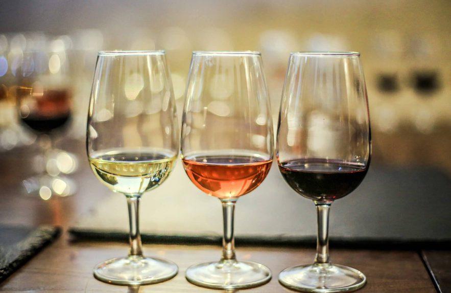 Vinho tinto, branco e espumante: quando degustar?