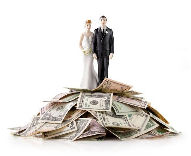Evitando tensões causadas pelo dinheiro na relação