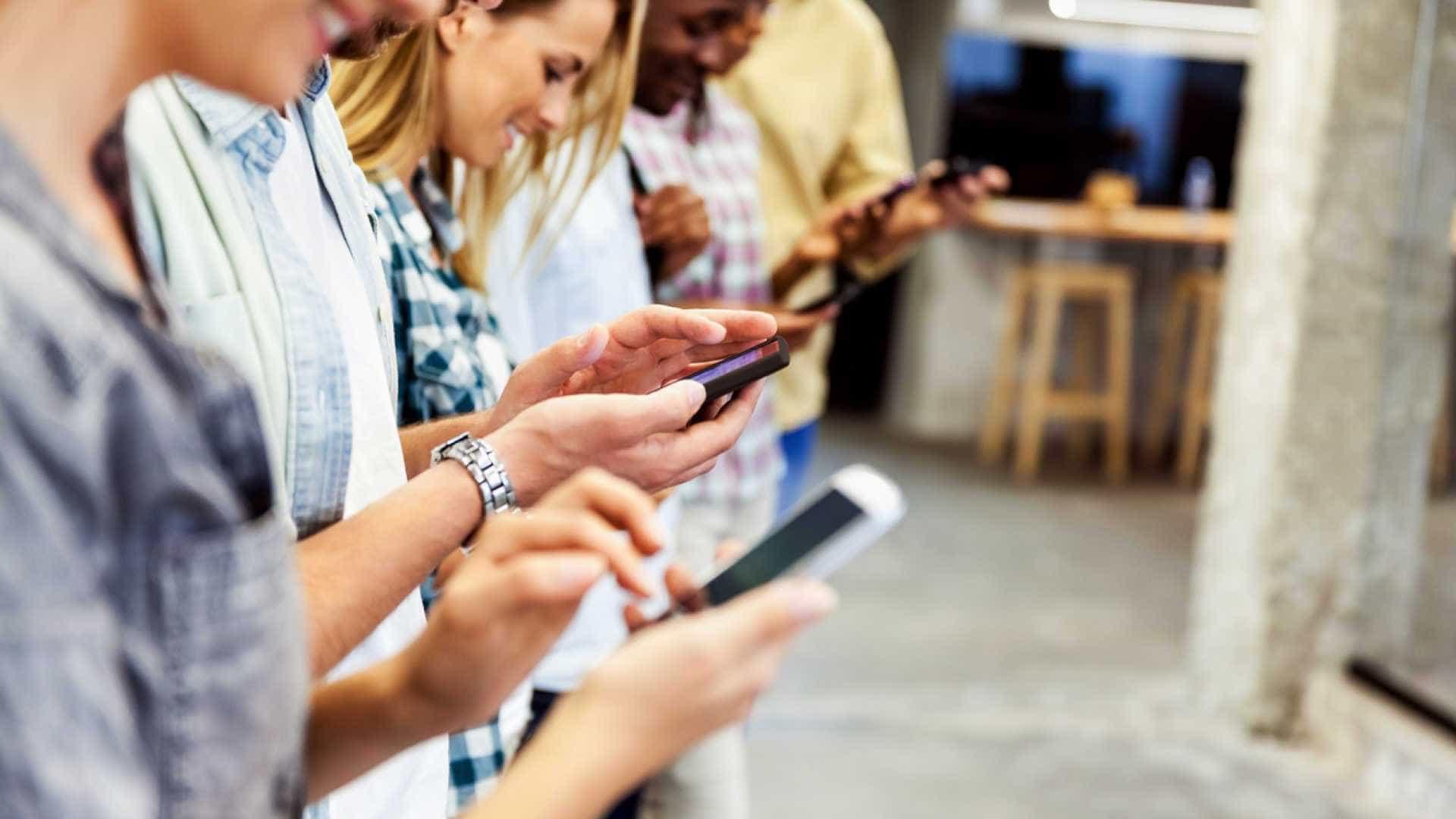 Dicas para o primeiro encontro na era dos apps de namoro