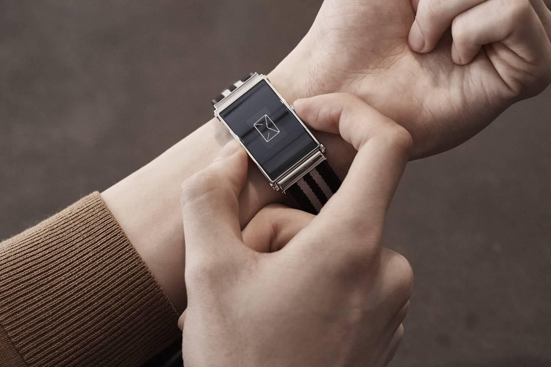 Montblanc: conheça o Twin, o relógio smart com pulseira inteligente