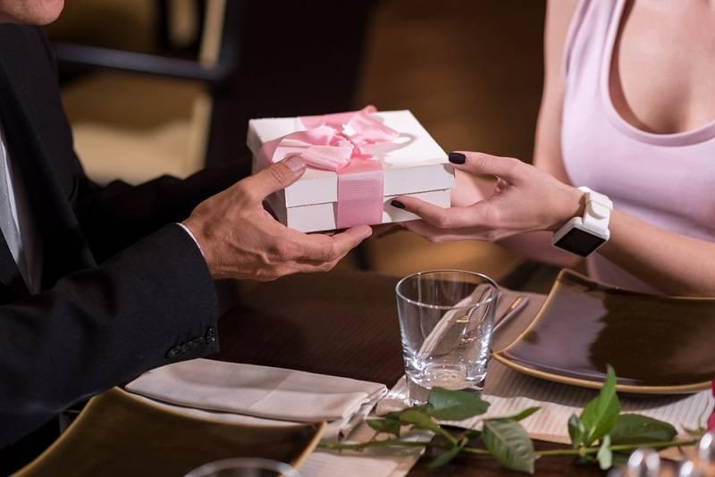 Dia dos namorados: sugestões de presentes para eles