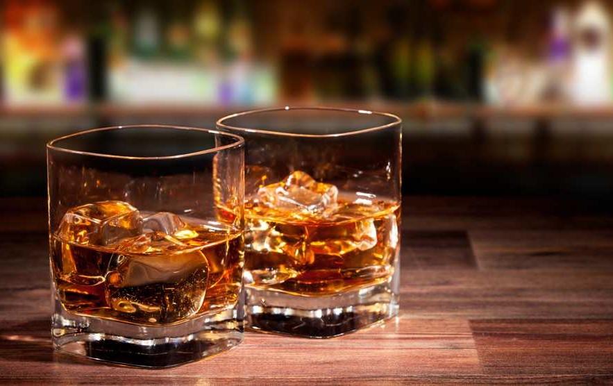 Beber ou não no primeiro no encontro Sugar?