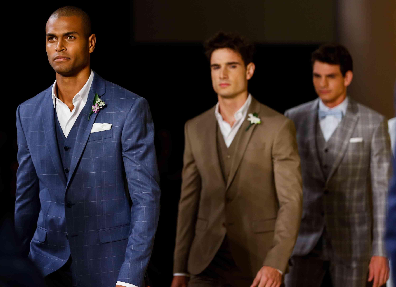 36abf64778 Os ternos de Ricardo Almeida - Meu Patrocinio Gay